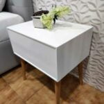 Nordi Mesa de Cabeceira lacada a branco com uma gaveta e pes em carvalho cor mel 4