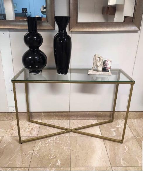Consola Cruzada Dourada com tampo em vidro e pes dourados 3