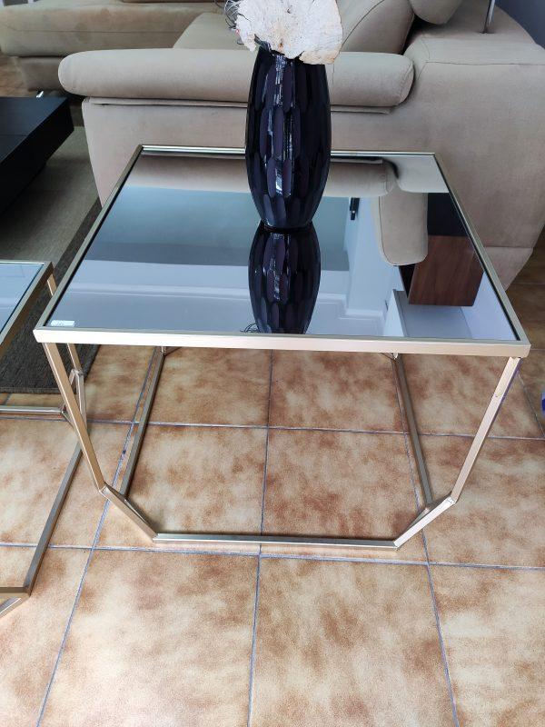 Mesa de Apoio Dourada com Tampo em Espelho Medidas 61x61x50cm scaled
