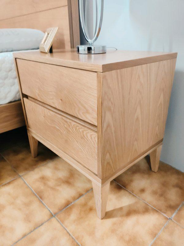 Quarto de Casal em Madeira Nordico Mesa de Cabeceira em Madeira Lado scaled