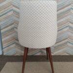 Cadeira Paris Mescla em tecido com textura bege e pes castanhos 4 scaled