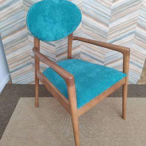 Cadeirao Nordico Turquesa com pes e bracos Madeira castanho 5