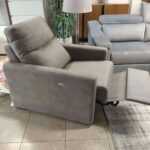 Cadeirao Poltrona Eletrico Relax Tecido cor Taupe 4 scaled