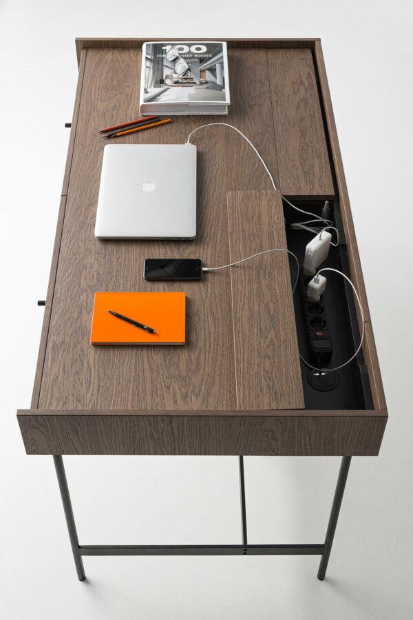 Compartimento esconde cabos Secretaria Tampo e Gavetas em Madeira e Pernas de Aco Mobiliario de Escritorio