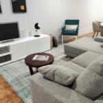 Movel Tv Bianca e Sofa Chaise Lounge Bimbo 1