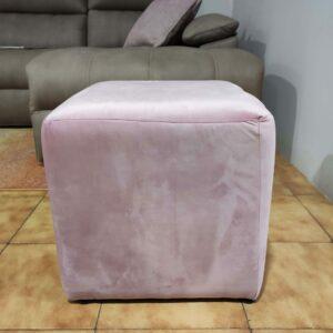 Puff Quadrado Veludado Rosa 2 scaled