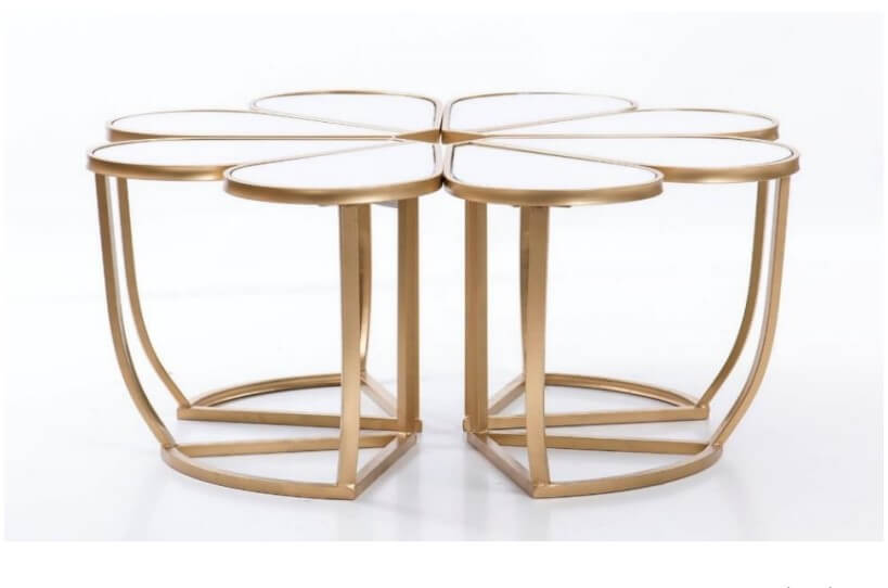 Mesa de Centro Malmequer Dourada Tampo em espelhoe pes ferro dourado