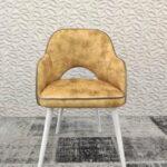 Cadeira de Bracos Mendi em tecido veludado amarelo e pes madeira pintada a branco 2