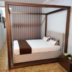 Cama de Casal Coberta Thai Esturtura em nogueir a e cama estofada tecido bege 10