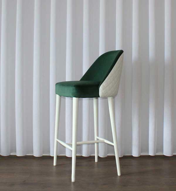 954 INES Banco Bar estofo em verde e branco e pes lacado branco
