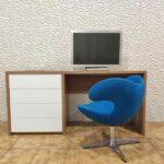 Secretaria em madeira e gavetas brancas Hart 2