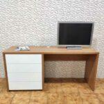 Secretaria em madeira e gavetas brancas Hart 3