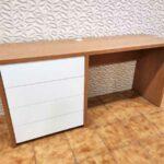 Secretaria em madeira e gavetas brancas Hart 5