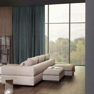 Sofa de 3 Lugares Atenas em tecido bege confortavel e envolvente costas