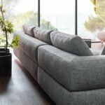 Sofa de Canto Cinza com pes em inox Atenas 3