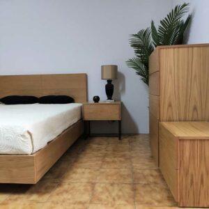Campina Quarto de Madeira com cama de casal em carvalho cor mel mesas de cabeceira carvalho com pes pretos e camiseiro carvalho cor mel 4