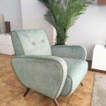 James Cadeirao Veludado tons verdes com vivo e pes em Nogueira Crispalmovel 1