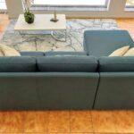 Sofia Chaise Lounge Lado Direito em tecido azul e pes em inox cilindros 5