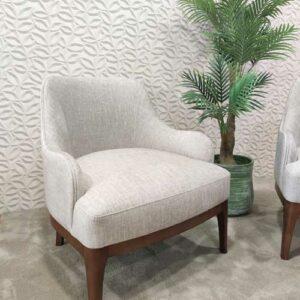 Cadeirao Lucio com tecido veludado claro e pes em madeira carvalho castanho Crispalmovel Cadeiroes por medida 4
